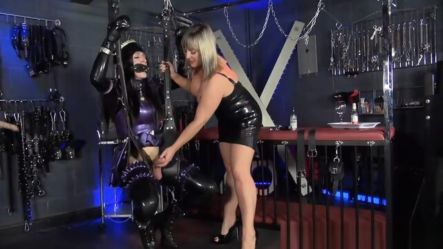 Sexy latex maid.. bdsm big tits fetish