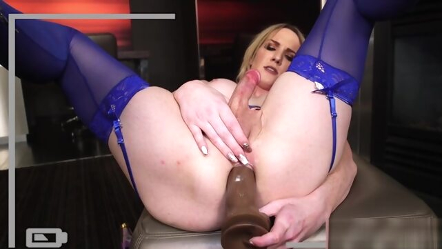 Huge ass beauty.. big tits cumshot fetish